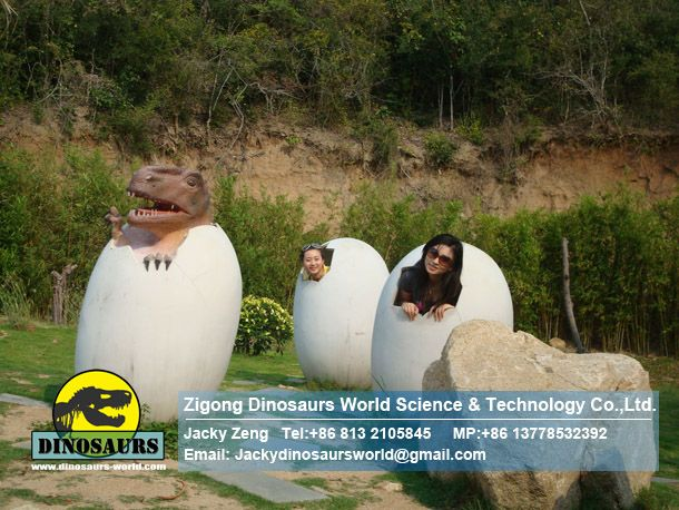 Fiberglass Dinosaur eggs for taking pictures DWE036