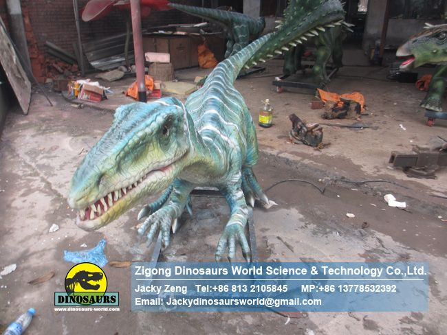 Jurassic world model,coelophysis in factory DWD006-2