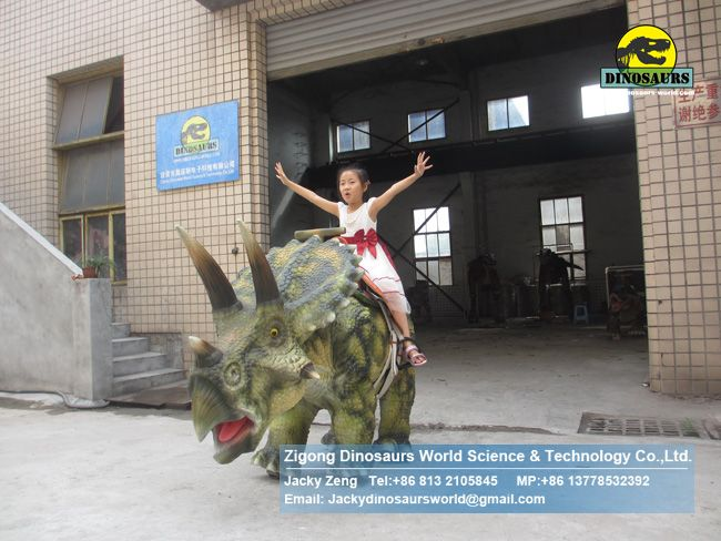 Children's play equipment walking robot triceratops ride DWE063